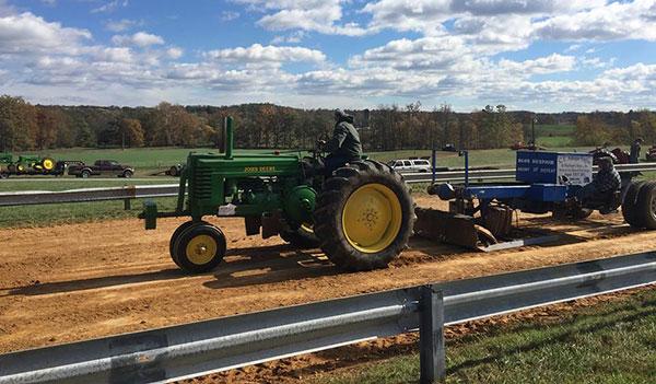 Antique & Classic Tractor Pull